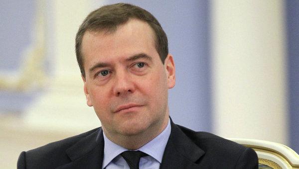 Медведев поручил проработать вопрос целесообразности проведения интервенций на рынке мяса