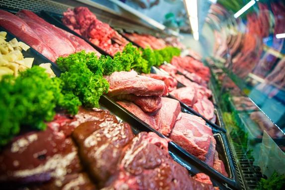 ЦБ: треть жителей России экономят на мясе