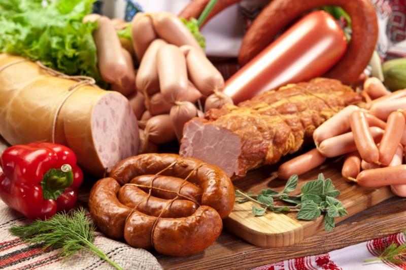 Сколько в российской колбасе мяса?