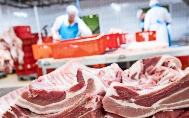Цены на мясо продолжают снижаться, экспорт растет