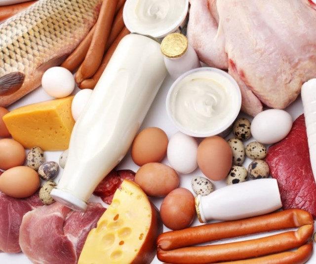 Росстат зафиксировал рост цен на яйца и колбасу в последнюю неделю сентября