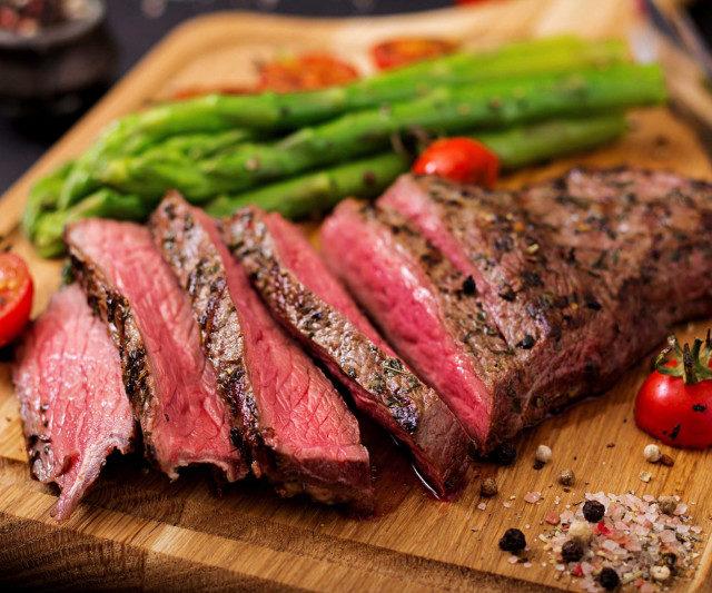 За год потребительские цены на говядину в России выросли на 6,6%