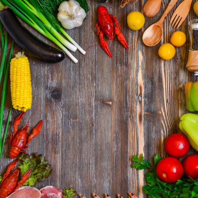 Более половины опрошенных россиян считают, что все продукты нужно маркировать